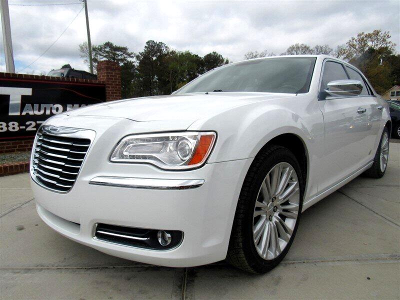 2011 Chrysler 300 4dr Sdn Limited RWD