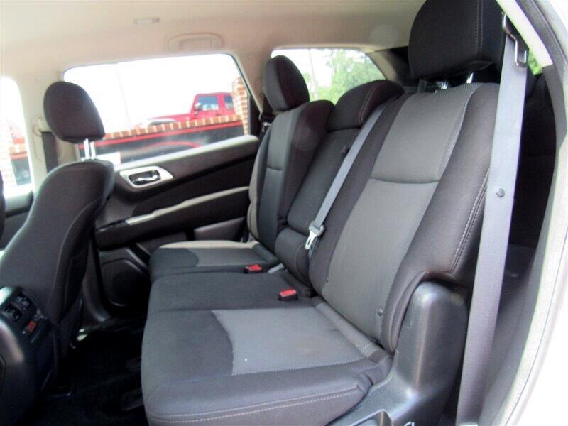 2017 Nissan Pathfinder 4WD 4dr SL