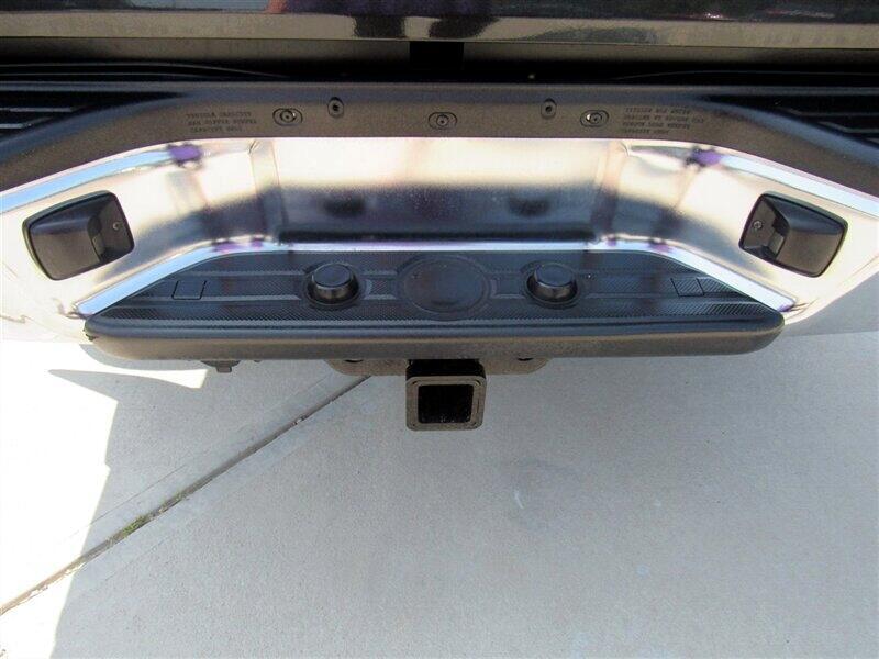 2009 Toyota Tacoma 2WD Double V6 AT PreRunner (Natl)