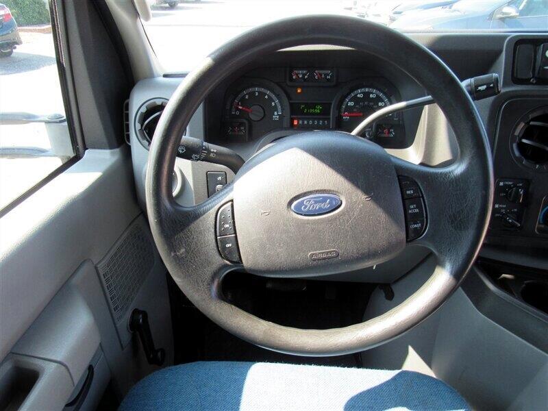 2013 Ford Econoline Commercial Cutaway E-450 Super Duty 158