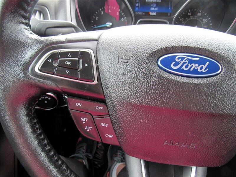 2015 Ford Focus 5dr HB Titanium