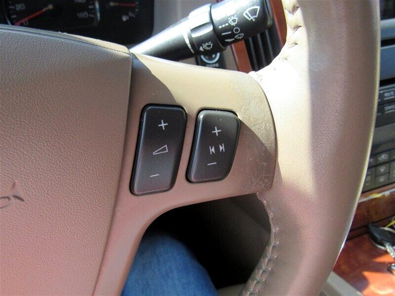 2006 Cadillac STS 4dr Sdn V8