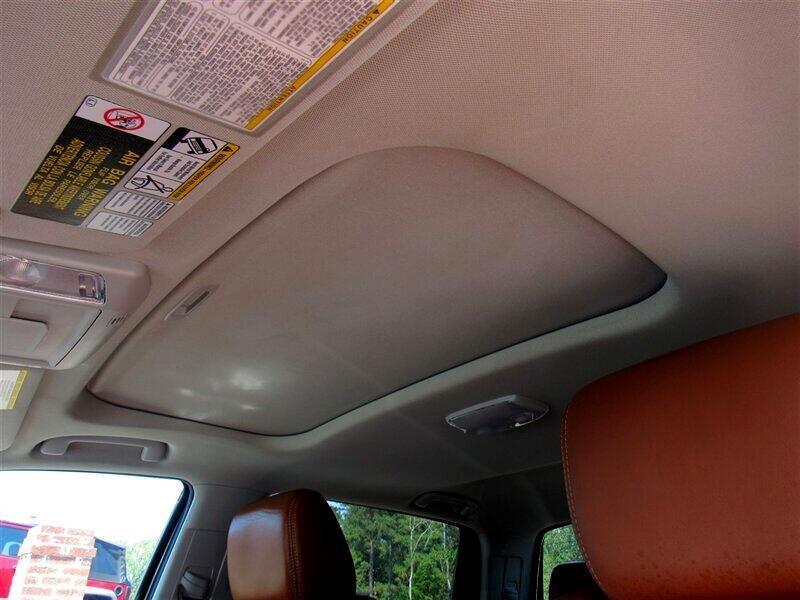 2015 Toyota Tundra 4WD Truck CrewMax 5.7L FFV V8 6-Spd AT Platinum (Natl)