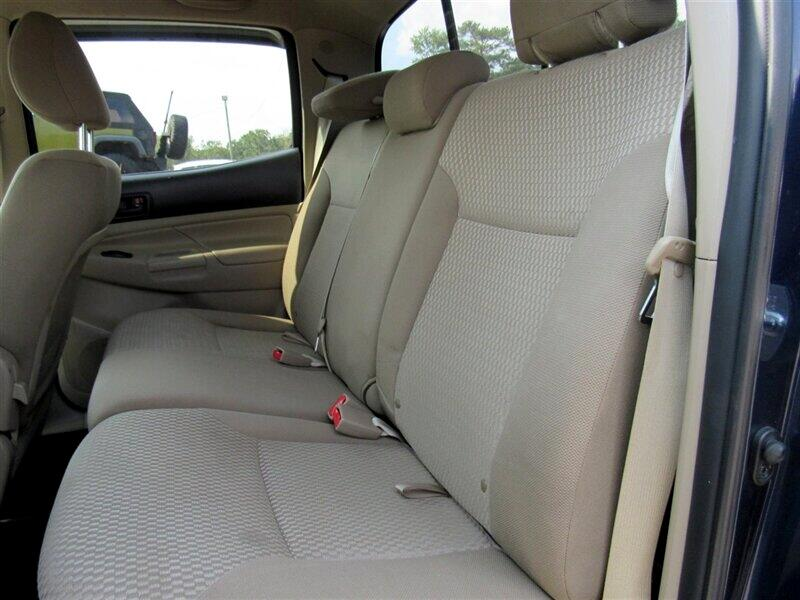 2012 Toyota Tacoma 2WD Double Cab I4 AT PreRunner (Natl)