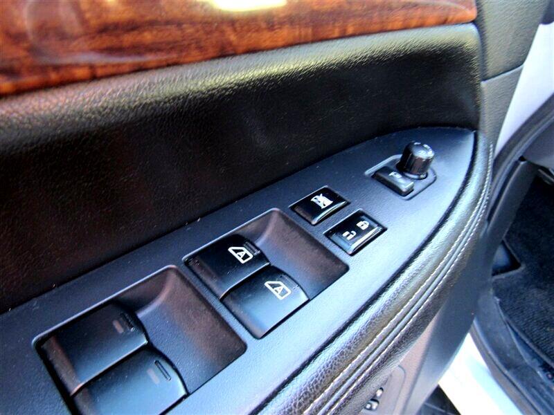 2013 Nissan Armada 4WD 4dr Platinum