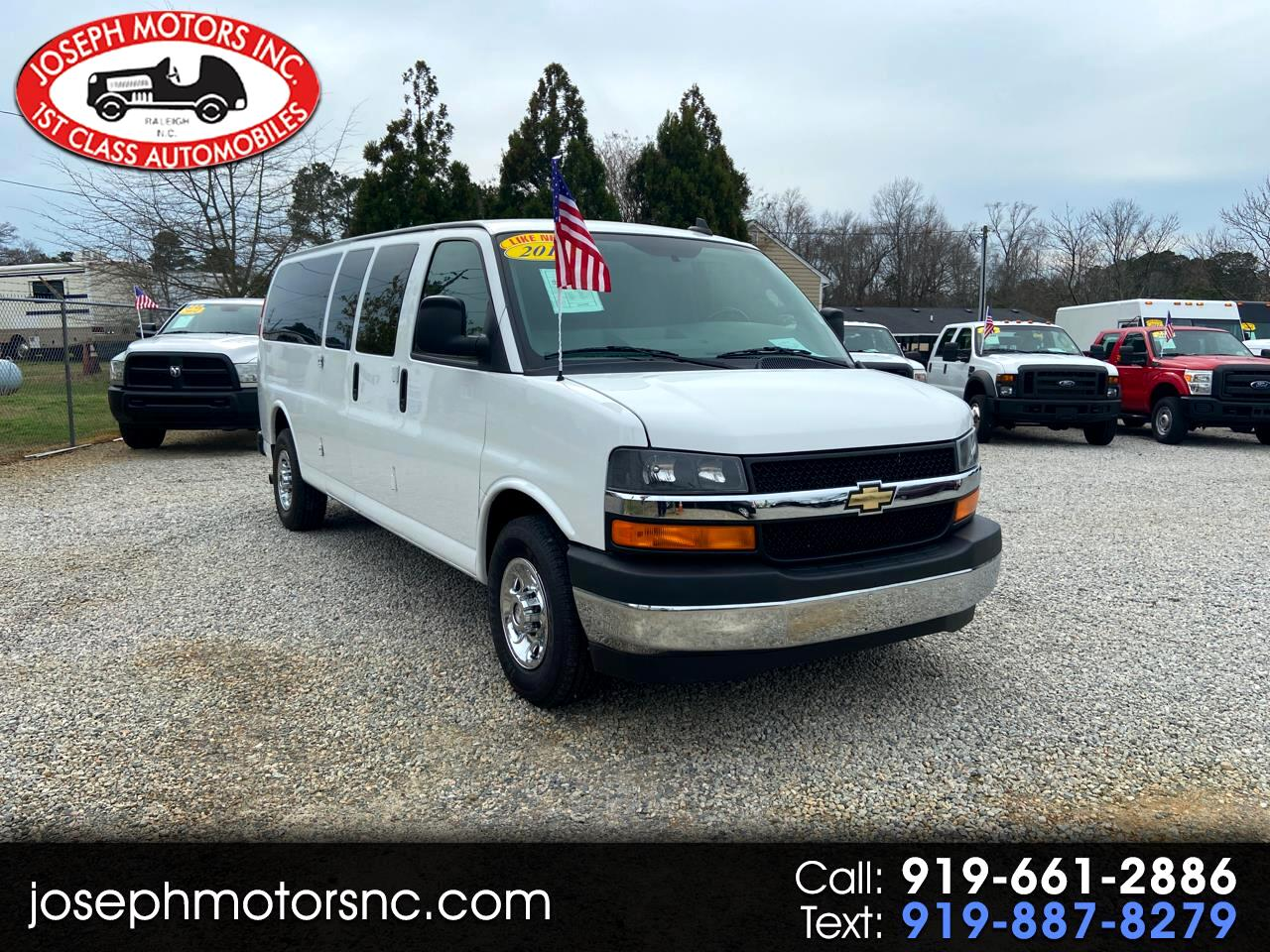 "Chevrolet Express Passenger 3500 155"" WB RWD 2017"