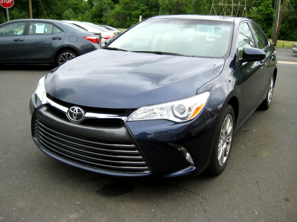 2015 Toyota Camry 4dr Sdn LE Auto