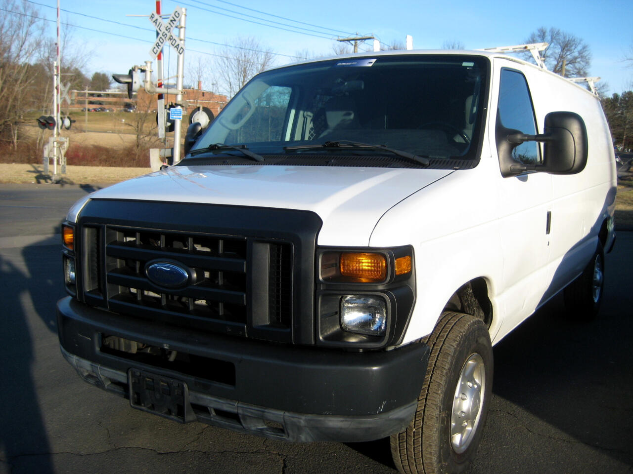Ford Econoline Cargo Van E-350 Super Duty Commercial 2011