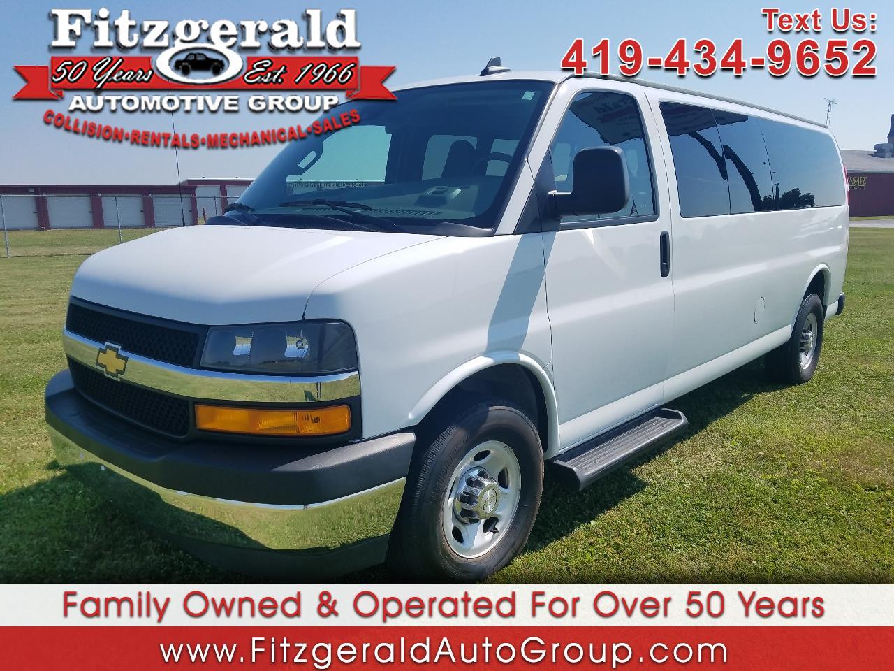 "Chevrolet Express Passenger RWD 3500 155"" LT 2019"