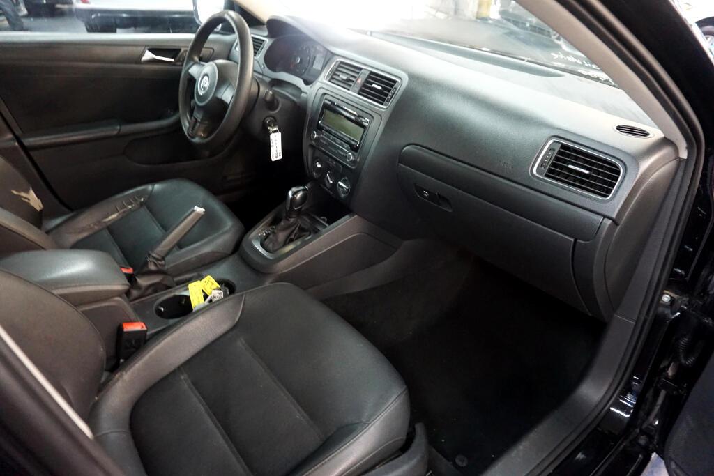 2011 Volkswagen Jetta Sedan 4dr Auto SE PZEV