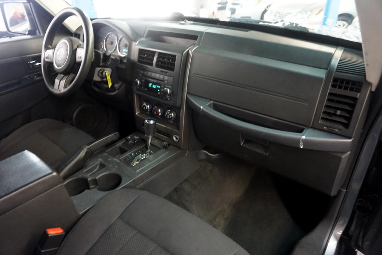 2012 Jeep Liberty 4WD 4dr Sport