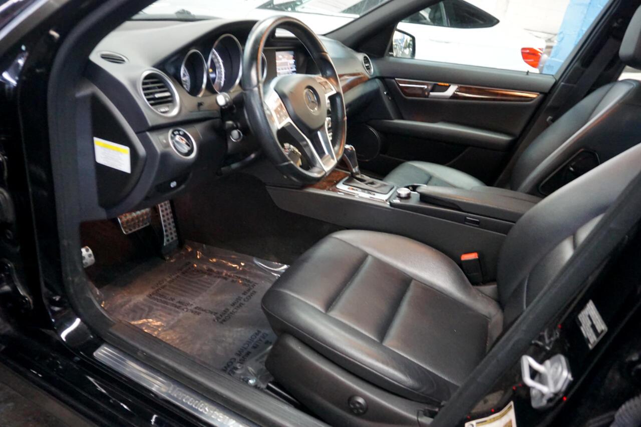 2013 Mercedes-Benz C-Class 4dr Sdn C 300 Sport 4MATIC