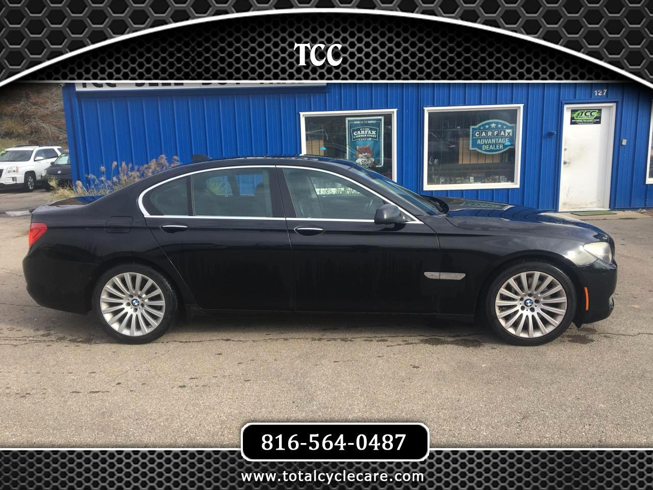 BMW 7-Series 750i xDrive 2011