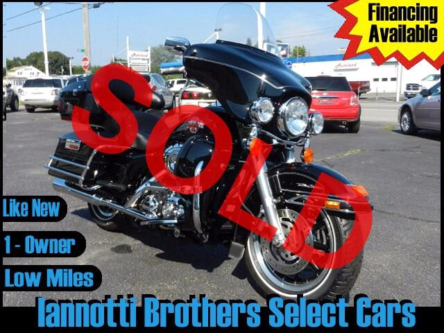 2007 Harley-Davidson Electra Glide Ultra Classic 1-Owner Only 5100 Original Miles