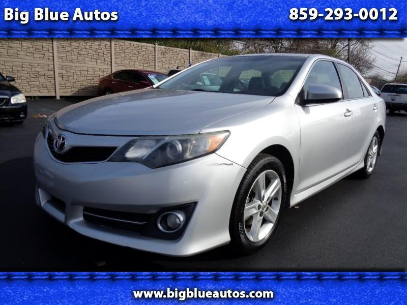 2013 Toyota Camry 4dr Sdn SE Auto (Natl)