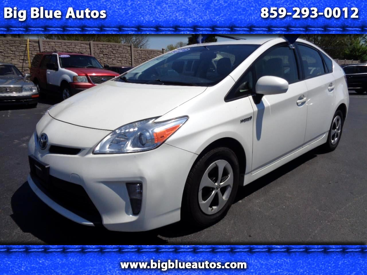 Toyota Prius 5dr HB Three (Natl) 2012