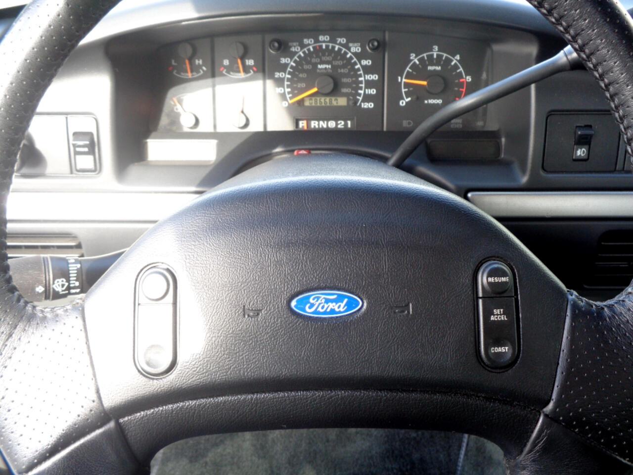 "Ford F-150 Styleside Lightning 117"" WB 1993"