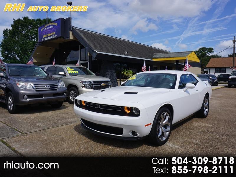 Dodge Challenger 2dr Cpe SXT Plus 2016