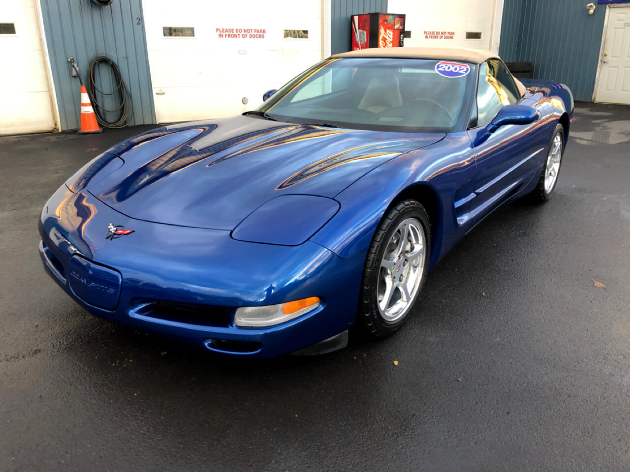 Chevrolet Corvette 2dr Convertible 2002