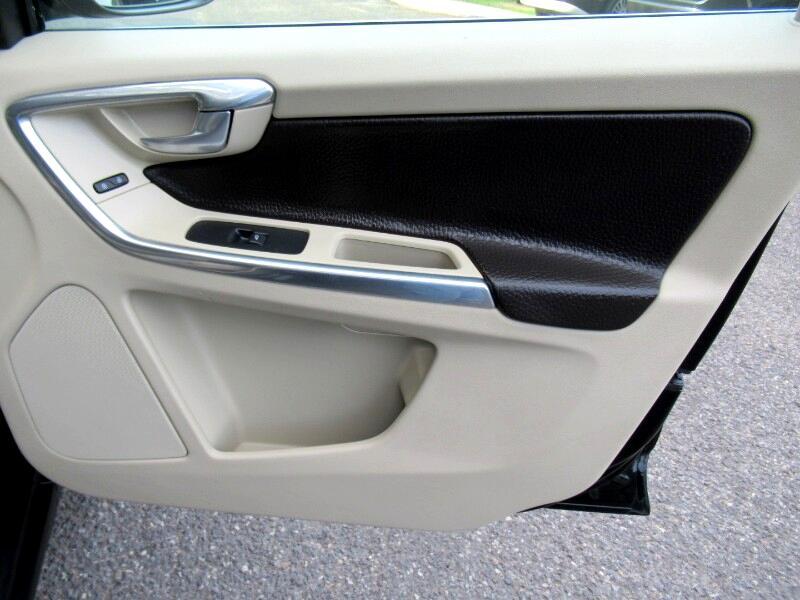 2013 Volvo XC60 T6 R-Design AWD