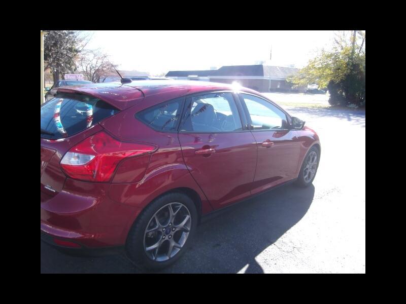 Ford Focus SE Hatch 2014