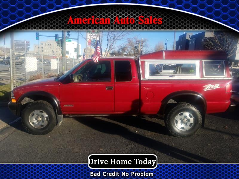 2002 Chevrolet S10 Pickup Ext. Cab 4WD