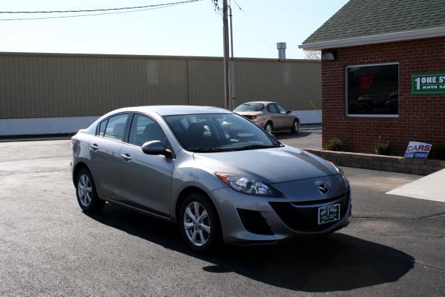 2010 Mazda MAZDA3 i Sport 4-Door