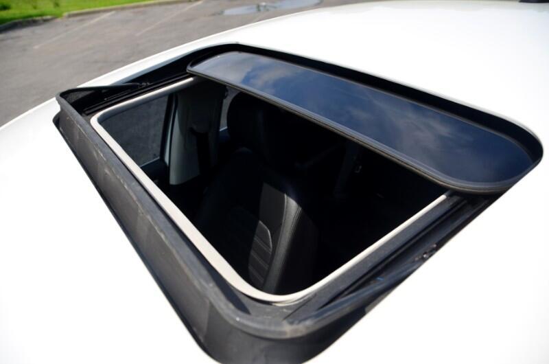 2012 Volkswagen Passat 3.6L V6 SE