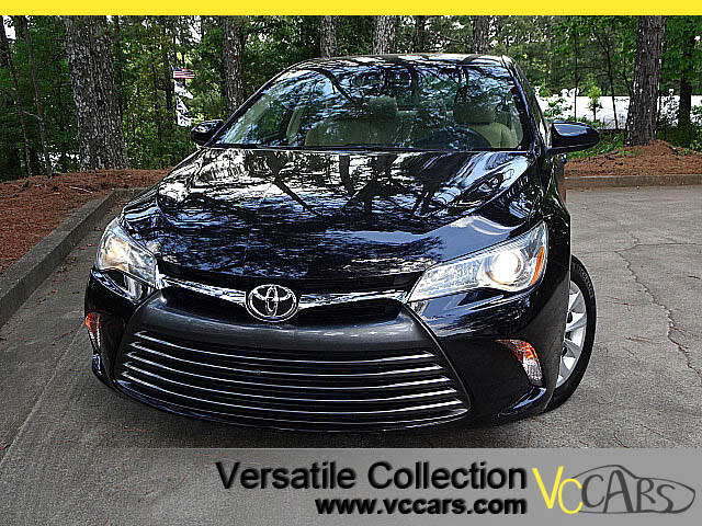 2015 Toyota Camry LE with Power Seat Back Up Camera