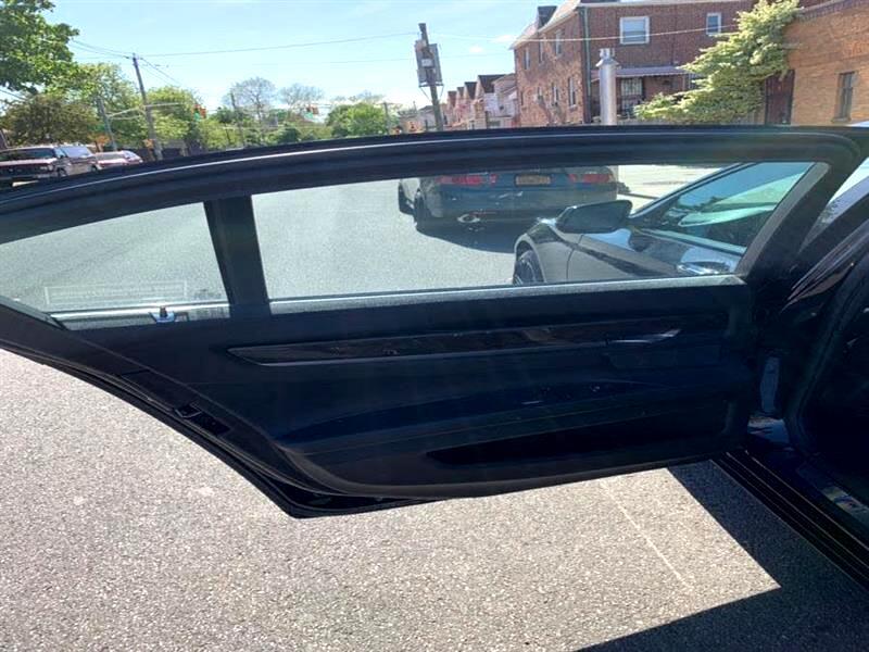 2012 BMW 7-Series 750Li Sedan