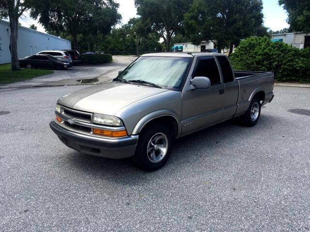 2001 Chevrolet S10 Pickup LS Ext. Cab Short Bed 2WD