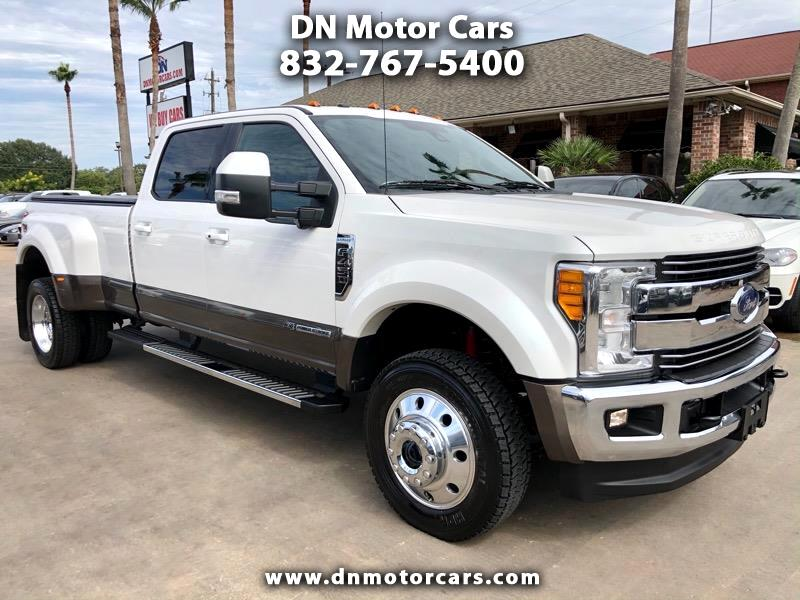 Ford Super Duty F-450 DRW Lariat 4WD Crew Cab 8' Box 2017
