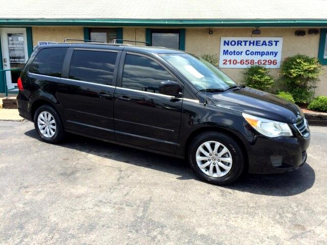 2012 Volkswagen Routan SE with RSE and NAVIGATION