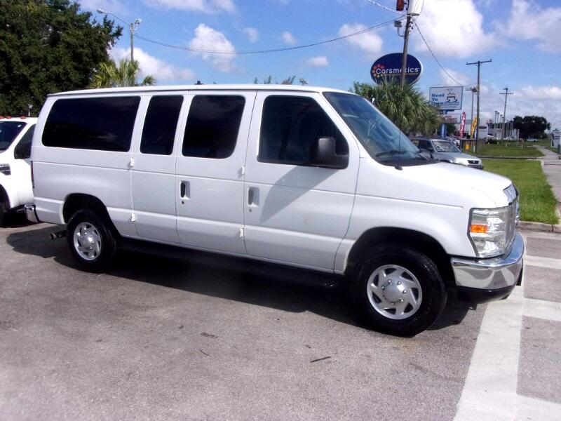 Ford Econoline Wagon E-350 Super Duty XL 2009