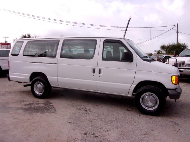Ford Econoline Wagon E-350 Super Ext XL 2006