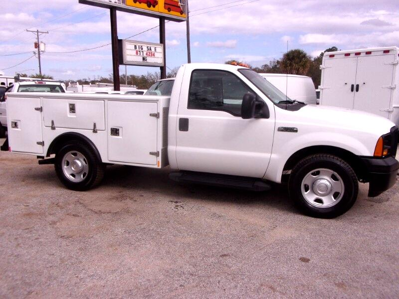 2007 Ford F-350 8 FT. Fiberglass Utility Body