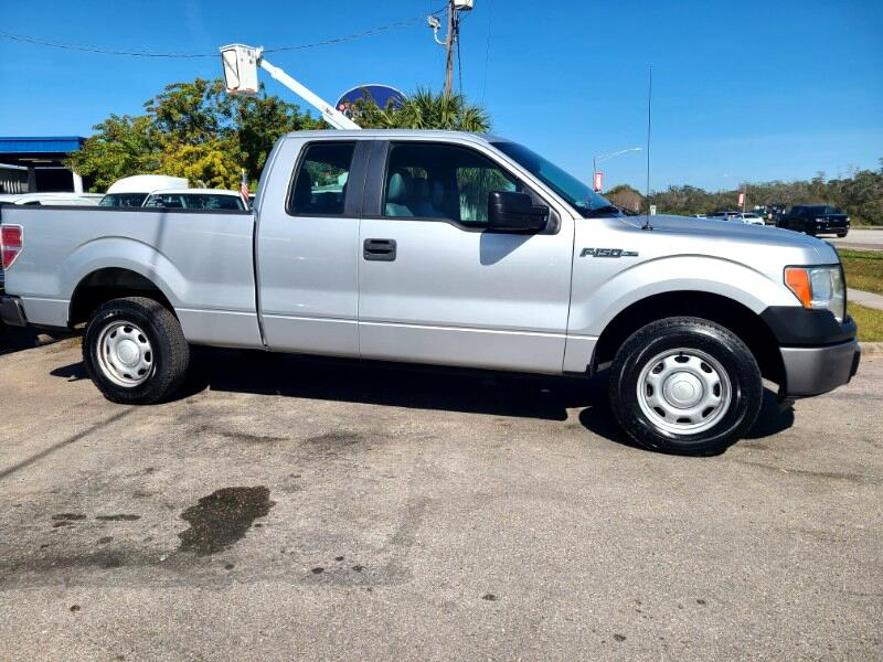 "Ford F-150 2WD SuperCab 145"" XL 2013"