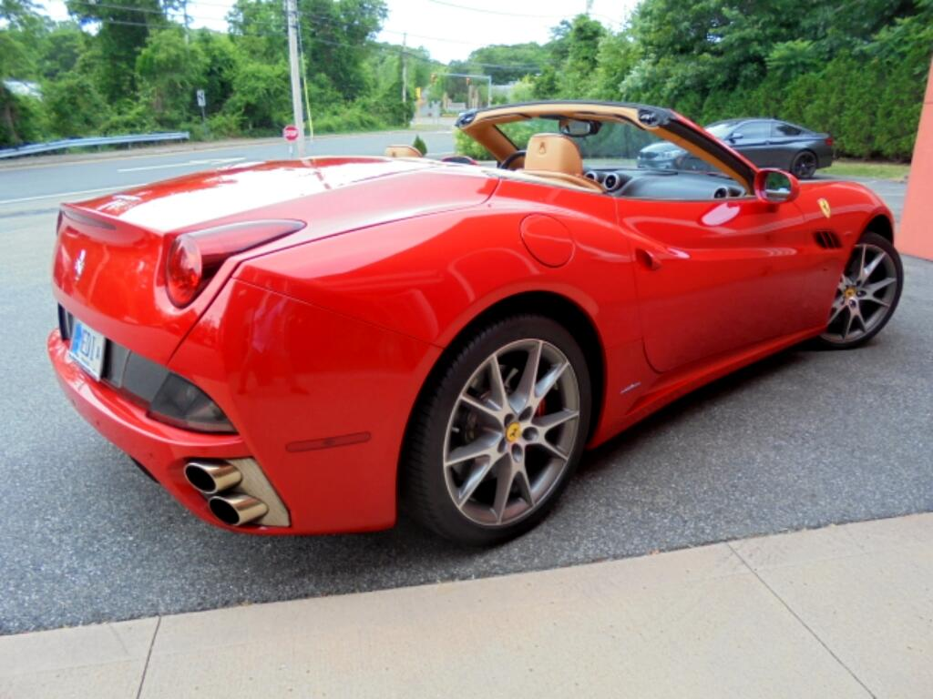 2014 Ferrari California Convertible GT