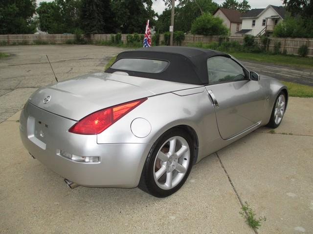2004 Nissan 350Z Touring Roadster
