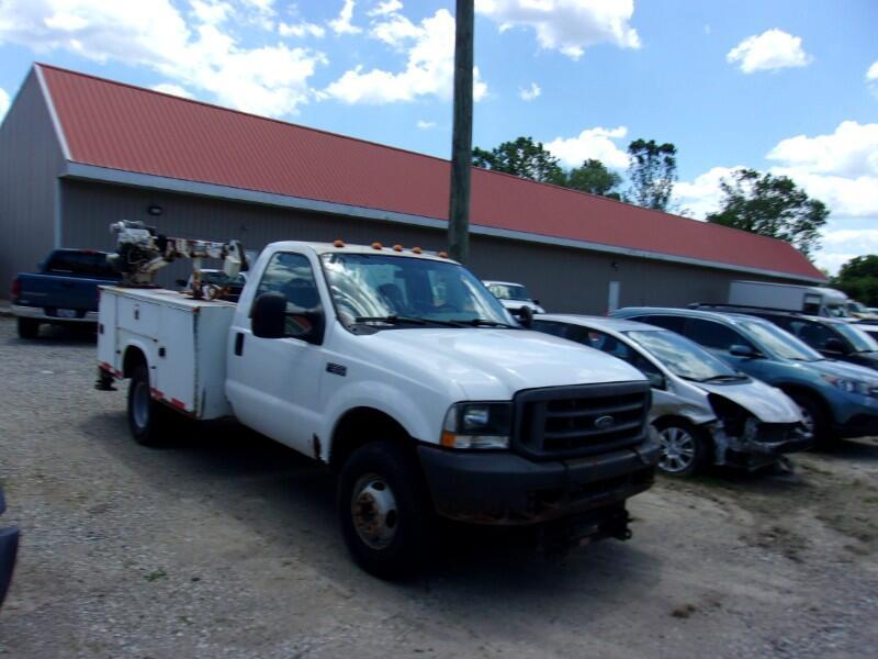 """Ford Super Duty F-350 DRW Reg Cab 141"""" WB 60"""" CA XLT 4WD 2004"""