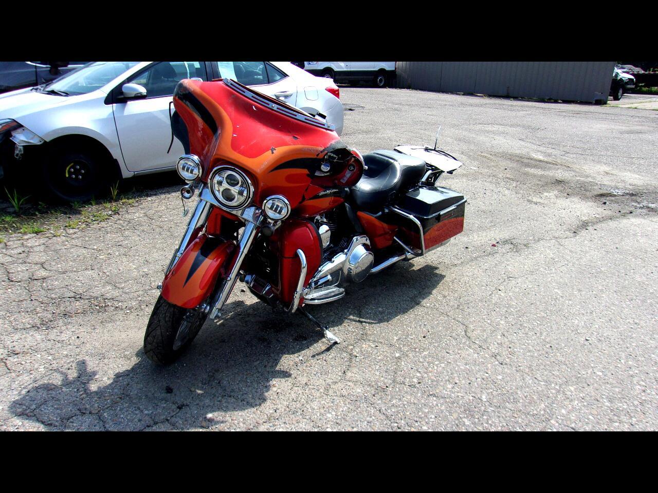 Harley-Davidson CVO Screamin Eagle Ultra Classic Electra Glide  2013