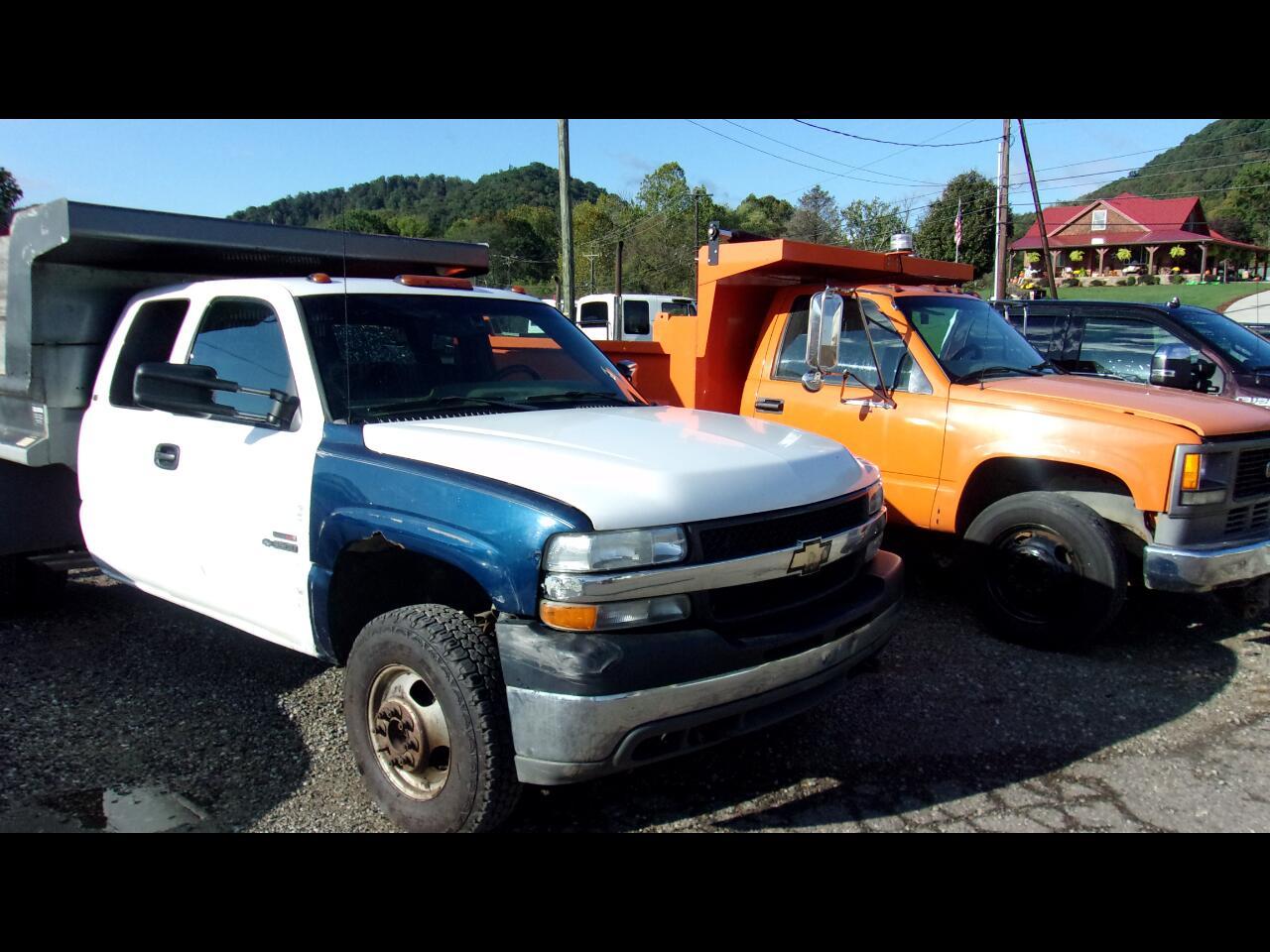 "Chevrolet Silverado 3500 Ext Cab 161.5"" WB LS 2001"