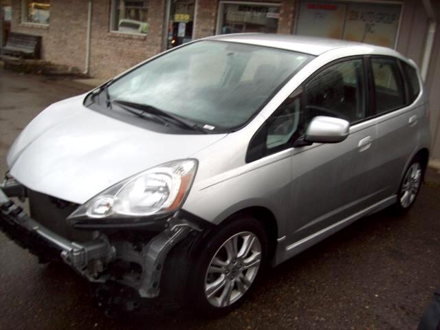 Honda Fit Sport 5-Speed AT 2011