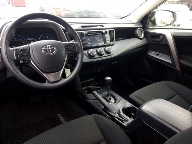 2017 Toyota RAV4 LE FWD