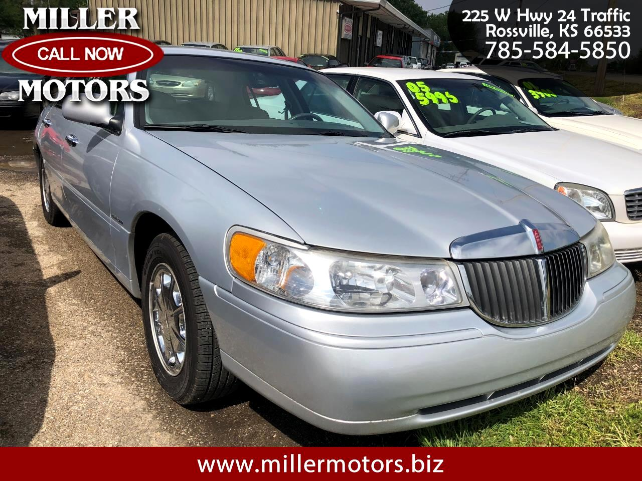 Lincoln Town Car 4dr Sdn Signature 1999