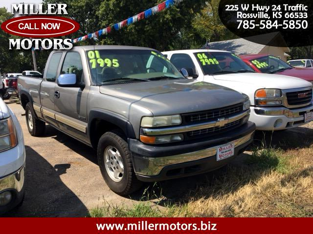 2001 Chevrolet Silverado 1500 LS Ext. Cab 4-Door Short Bed 4WD