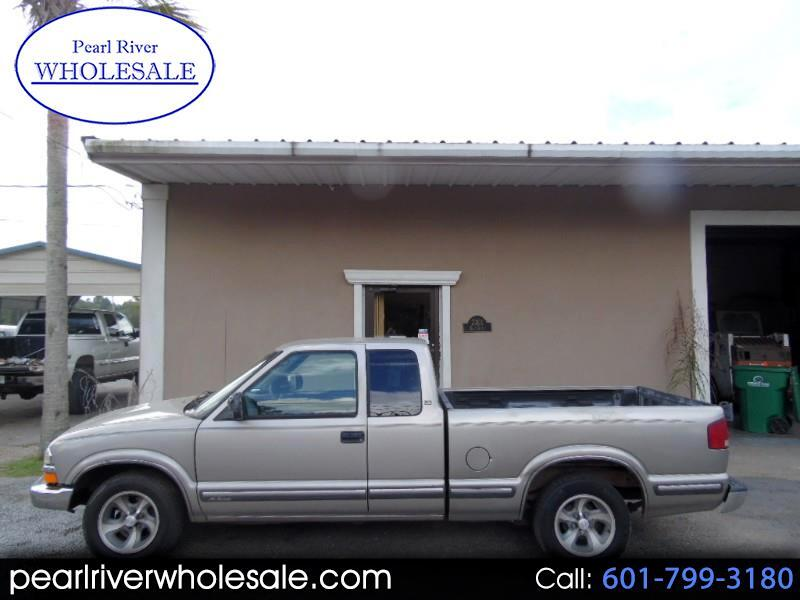 1999 Chevrolet S10 Pickup LS Ext. Cab 2WD