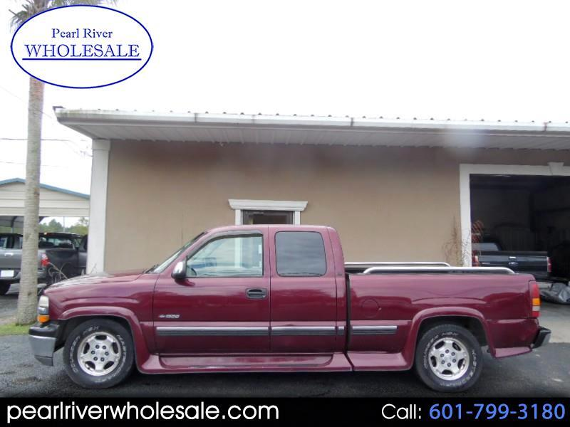 2001 Chevrolet Silverado 1500 LS Ext. Cab Short Bed 2WD