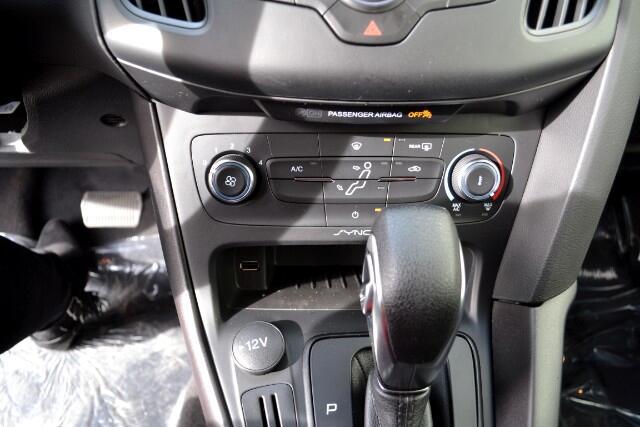 2018 Ford FOCUS SE SE Sedan