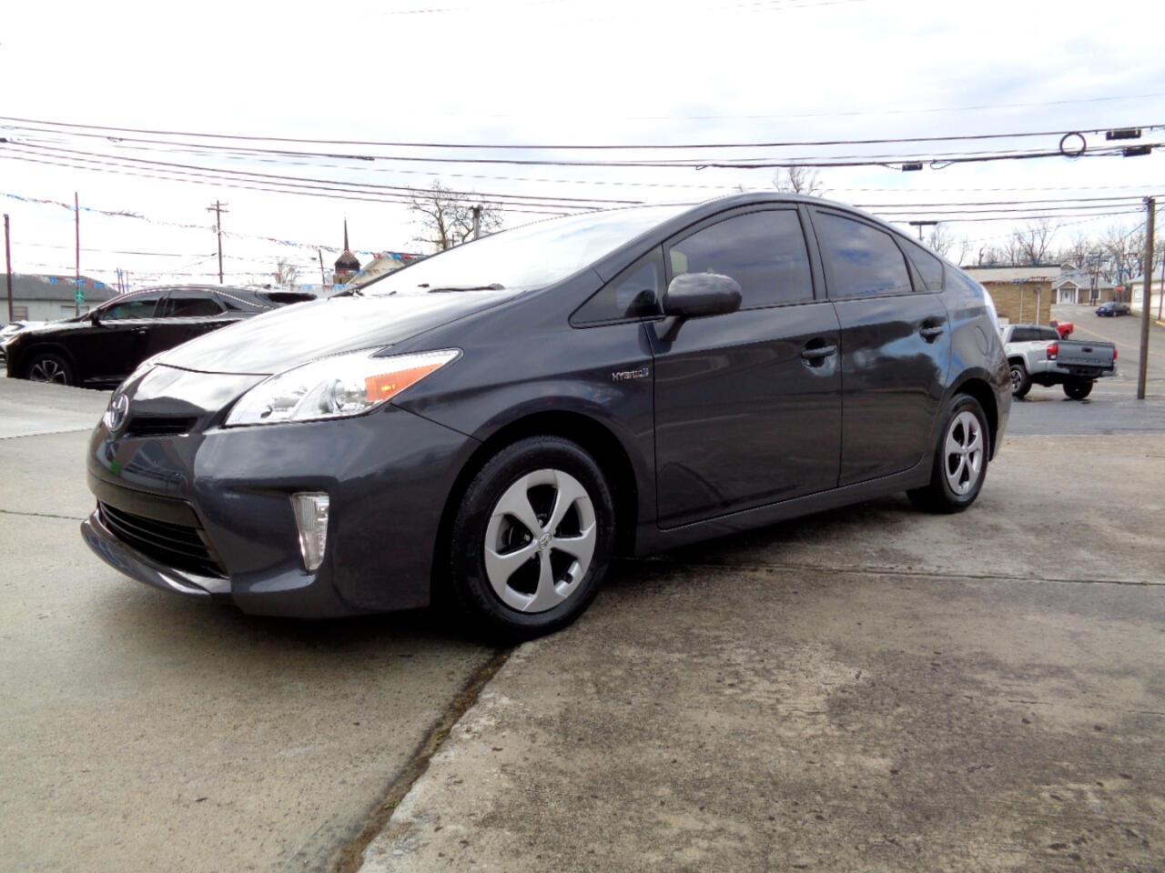 Toyota Prius 5dr HB Two (Natl) 2015
